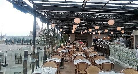 Herschel used for restaurant heating in roof top bar